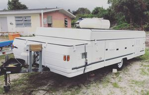 pop up camper Coleman 1999 for Sale in Port St. Lucie, FL