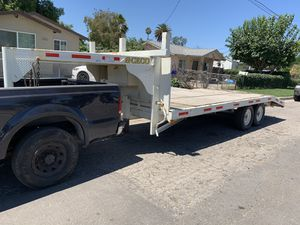 2000 Gooseneck Trailer needs work for Sale in San Bernardino, CA