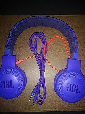 Like New JBL wireless headphones for Sale in Kearney, NE