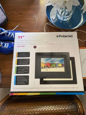 Digital Photo Frame with Calendar/Clock POLAROID for Sale in Bakersfield, CA