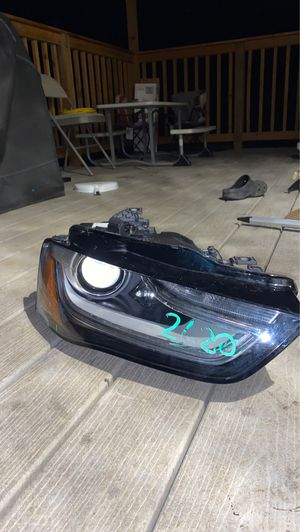 2013-2016 Audi s4 a4 adaptive headlight for parts for Sale in Marysville, WA