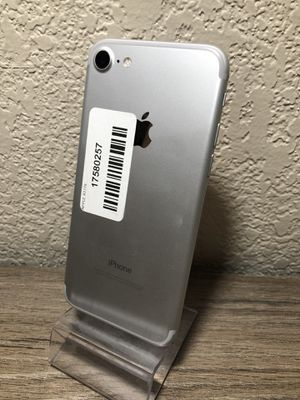 iPhone 7 32gb Unlock for any carrier. IMEI clean, iCloud unlocked. Home button doesn't work for Sale in Fresno, CA