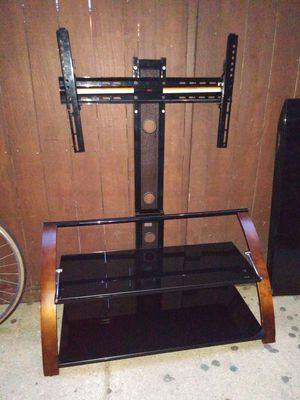 Tv stand with mount. Little used. Like new for Sale in Chicago, IL