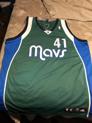 Authentic Dirk Nowitzki jersey Adidas size 52 like new for Sale in Dallas, TX