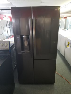 New scratch and dent Lg grab-n-go black stainless side by side fridge 1 year warranty for Sale in Saint Petersburg, FL