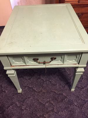 Coffee table/end table for Sale in Centre, AL