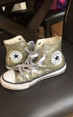 Converse size 12 girl for Sale in Manassas, VA