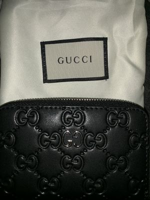 Authentic gucci signature wallet for Sale in Tualatin, OR