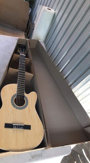 Guitar for Sale in Compton, CA