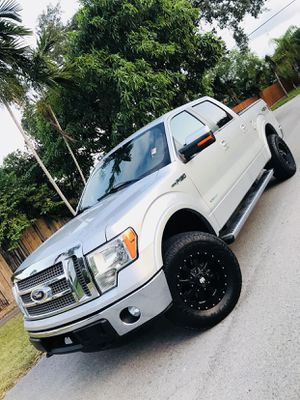 2011 FORD F150 lariat for Sale in Pompano Beach, FL