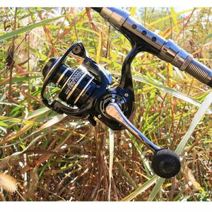 Spinning fishing reel DEUKIO MODEL 7000 for Sale in Revere, MA