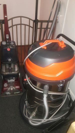Vacuum brand new used for a week then floor was changed from carpet to hardwood. Great for preschool and office for Sale in Jersey City, NJ
