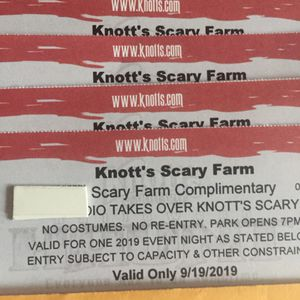 🎃👻💀☠️KNOTTS SCARY FARM TICKETS (4) OPENING NIGHT THU SEP 19 🤡👽🧟♀️🧟♂️🎟🎟🎟🎟 $35 EACH for Sale in Lynwood, CA