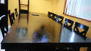 Restaurant table and chairs for Sale in Miami Gardens, FL