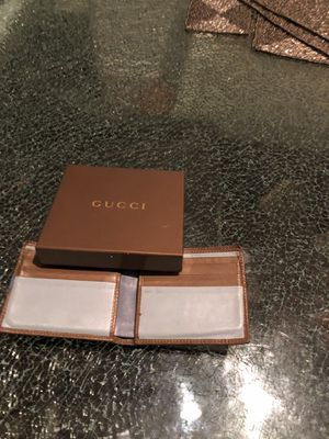 Gucci Authentic Men Wallet for Sale in Warren, MI