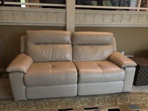 Sofa self reclining for Sale in Oakland, NJ