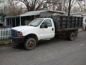 2001 Ford F-350 Super Duty dumpling truck for Sale in Columbus, OH