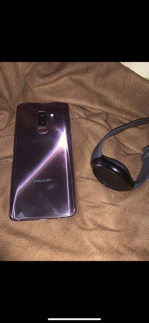 Cell phone Samsung Galaxy s9 and Samsung watch for Sale in Silver Spring, MD