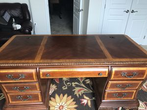 Havertys office furniture for Sale in Bowie, MD