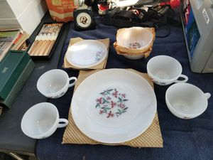 4 piece dish set for Sale in Bunker Hill, WV