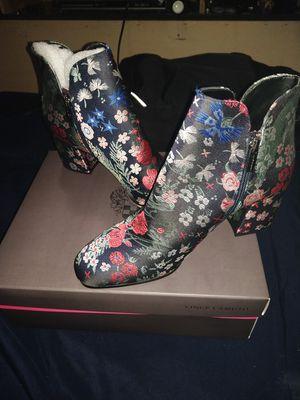 Vince Camuto wonderland boots for Sale in Las Vegas, NV