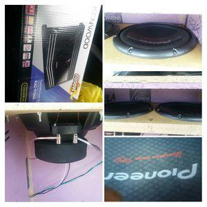 Speaker's and amp for Sale in Grand Island, NE