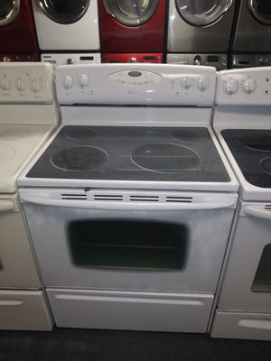 White electric stove in exellent condition for Sale in Laurel, MD