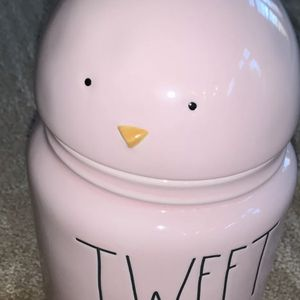 """Rae Dunn """"TWEET HEART"""" 10 inch Pink Canister with Chick Topper Easter Spring for Sale in Alexandria, VA"""