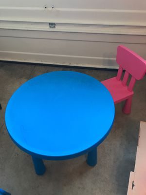 Kids table and chair for Sale in Federal Way, WA