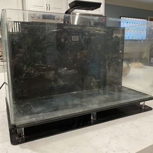 Nuvo 16 Gallon Saltwater Reef Tank Aquarium With Light And Pump for Sale in Mission Viejo, CA