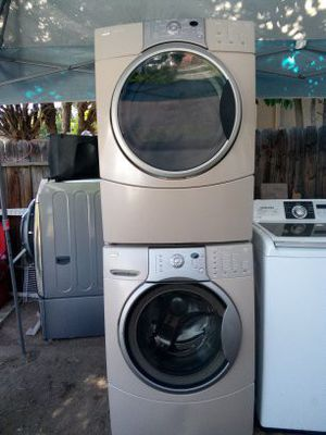Kenmoore frontloads set washer and dryer both electric with warranty for Sale in Fresno, CA