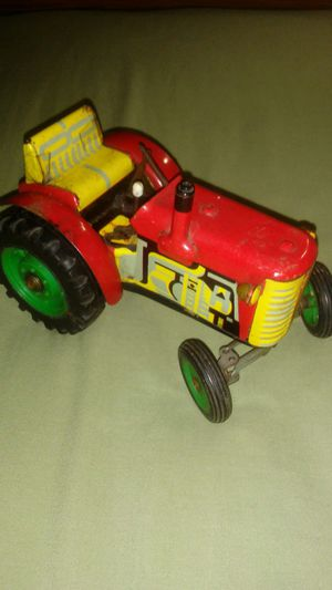 Vintage KDN metal Tractor for Sale in Indianapolis, IN