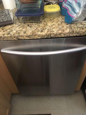 Dishwasher Samsung.lava Plato Samsung for Sale in Miami, FL