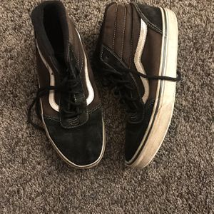 Boys Youth Vans Size 5 for Sale in Atwater, CA