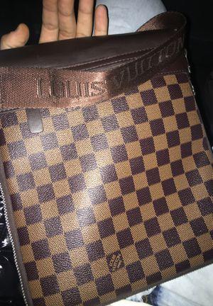 louis vuitton shoulder bag for Sale in Adelphi, MD