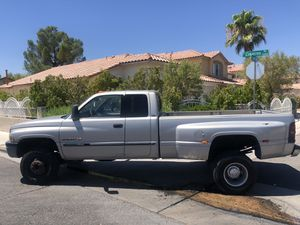 01 Dodge 3500 Ram V10 4x4 for Sale in Las Vegas, NV