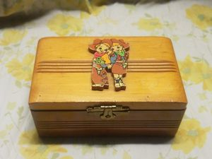 antique kids dresser box for Sale in Tucson, AZ