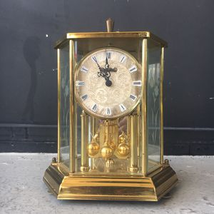 SMALL CLASSIC ANTIQUE GRANDFATHER CLOCK for Sale in North Bay Village, FL