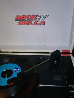 RockinRolla Recordplayer and Bluetoothspeaker. for Sale in Yakima,  WA