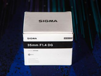 SIGMA EF 35MM ART LENS for Sale in Tacoma,  WA