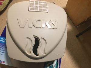 Vick's humidifier for Sale in Tacoma, WA