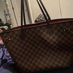 Authentic Louis Vuitton Neverfull Bag And Wallet for Sale in McDonough, GA