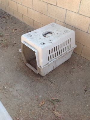 Dog house for Sale in Bloomington, CA