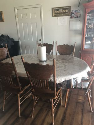 Real wood Kitchen table w/6 chairs for Sale in Apple Valley, CA