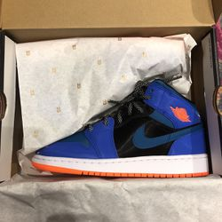 Nike Jordan 1 Mid Sz 6Y for Sale in Atlanta,  GA