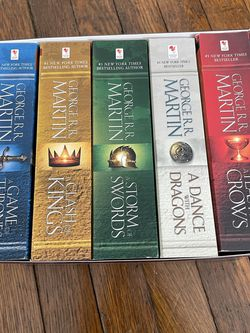 Game Of Thrones Book Set for Sale in Ravenna,  OH