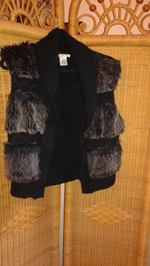 Arden B. faux fur sweater vest size Large for Sale in MIDDLE CITY WEST, PA