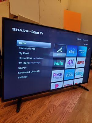 """Smart sharp roku tv 55"""" inche remote control included for Sale in Los Angeles, CA"""