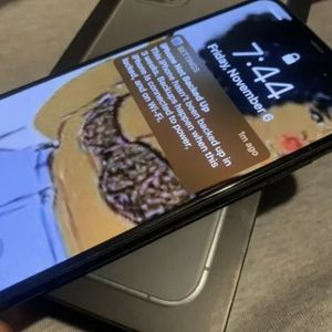 Apple iPhone 11pro max for Sale in Silver Spring, MD