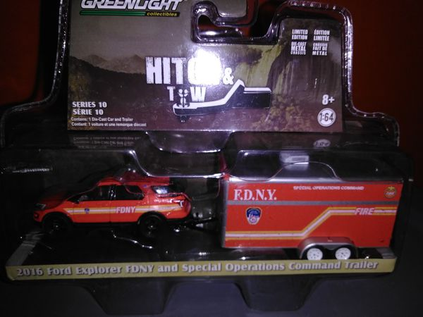 Greenlight hitch tow nyfd ford explorer with enclosed trailer